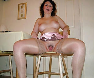 Handsome mature wife loves cock