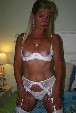 Amazing hot mature cougars porn pictures
