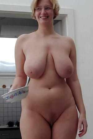 Favorite big tit house wifes