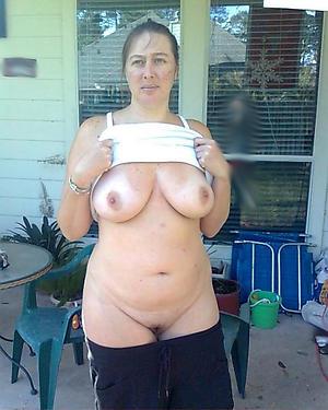 Amateur pics of mature white women