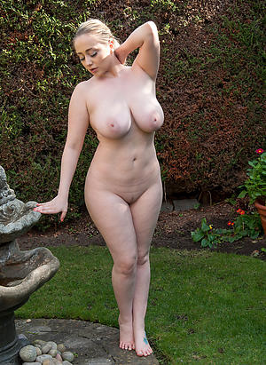 Sexy mature second-rate nude pics