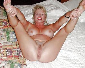 Mature hairy cunts naked photos