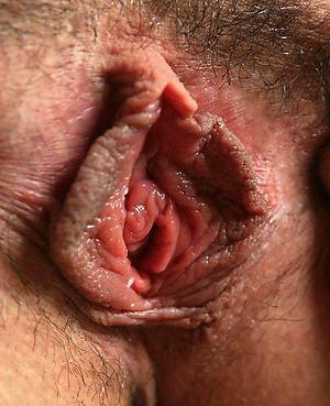 Amateur pics of mature close up pussy