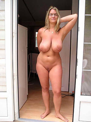 Curvy shove around mature amateur porn pics