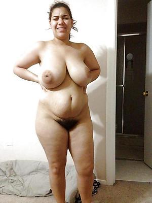 Amateur pics of hot busty mature