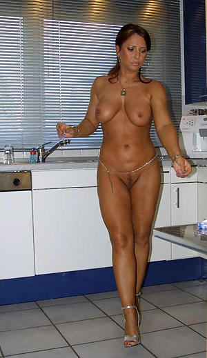 Naked real housewife pictrues
