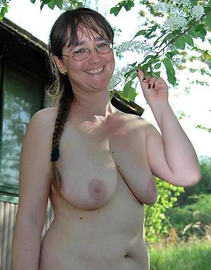Slutty mature saggy tit porn pics