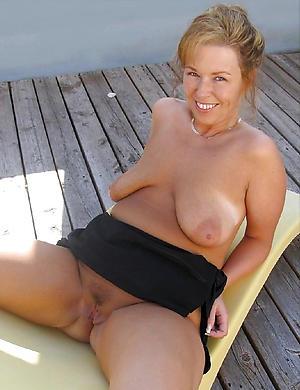 Sexy saggy mature confidential pics