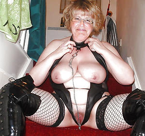 Gorgeous sexy mature cougar porn pics
