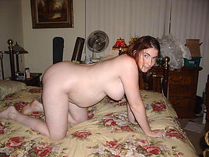 Xxx mature pregnant pussy undress gallery