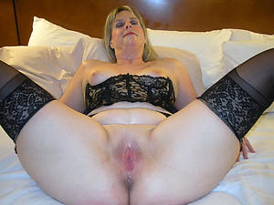 Horny grown-up women vagina pics