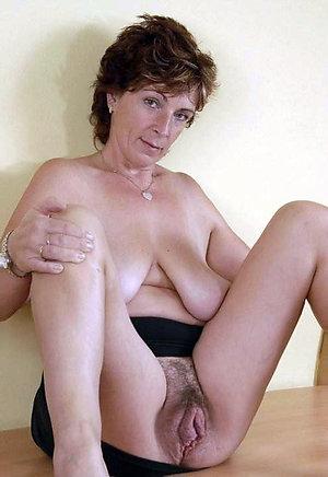 Naked mature brunette sex