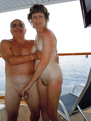 Free mature nudist couple pics