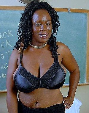 Xxx nude ebony mature women photos