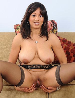 Best pics of nude ebony mature ladies