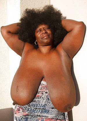 Amateur pics of ebony mature women