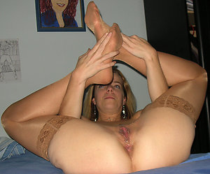 Amateur pics of cum on moms feet