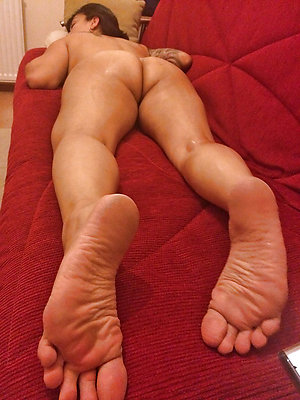 Gorgeous mature womans feet