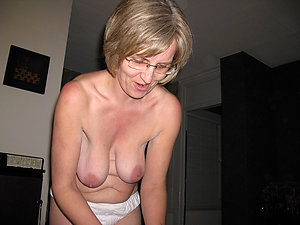 Naked sexy mature babes with glasses