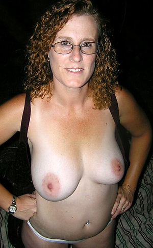 Naked horny mature women with glasses