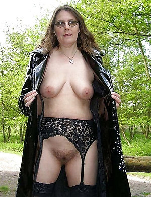 Amazing sexy mature women in glasses sex photos
