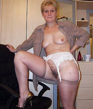 Amazing amateur granny nude photos