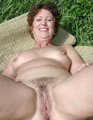 Nude hairy amateur older wife