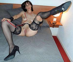 Amateur pics of mature women in heels