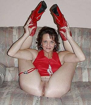 Amazing mature nylons and heels pics