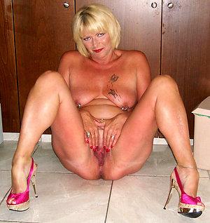 Best pics of wife in high heels