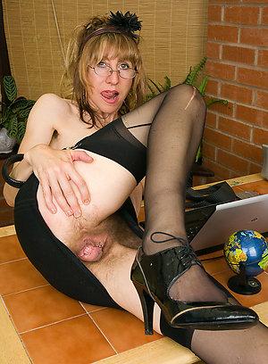 Best pics of nude older women in heels