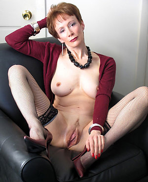 Naughty sexy mature bitches pics