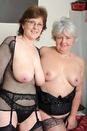 Homemade mature lesbian pussy sex pics