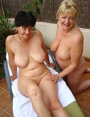 Amateur pics of mature lesbian seduce