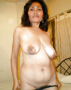Naked asian mature wife
