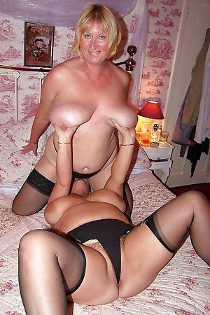 Porn pics of mature lesbians eating pussy