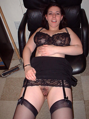 Super-sexy old amateur wife in lingerie