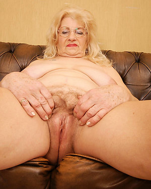 Private pics of nude mature woman
