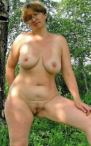 Beautiful mature big natural boobs