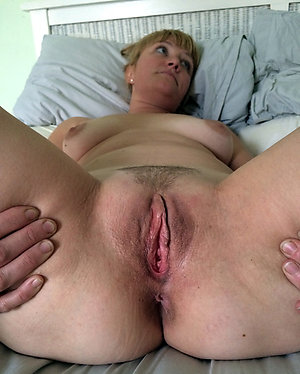 Horny xxx old lady pussy pictures