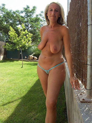 Slutty mature saggy amateur pics