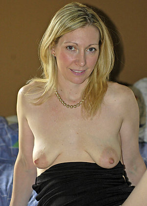 Sweet old lady saggy tits pictures