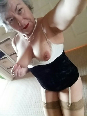 Pretty mature sexy selfies photos