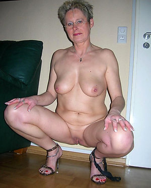 Handsome mature shaved pussy gallery