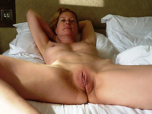 Tight mature shaved pussy pictures