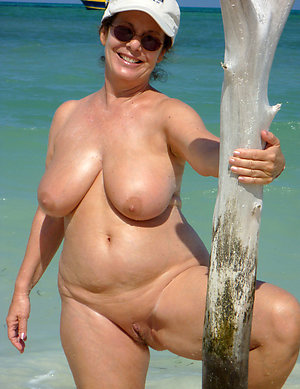 Naked shaved mature cunts photos