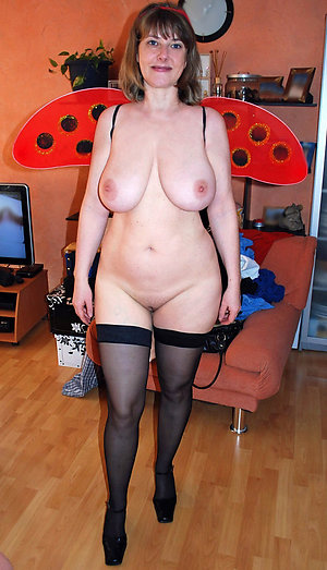 Filming My Mature Amateur Wife