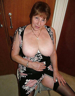 Mature Wives Pics