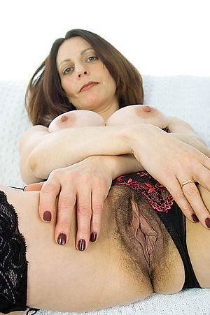 Gorgeous amatuer mature wife pics