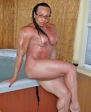 Naughty hot mature female muscle